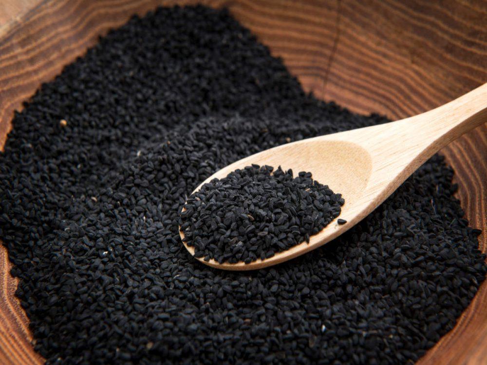 9 Impresionantes beneficios para la salud del Kalonji (Nigella Seeds)