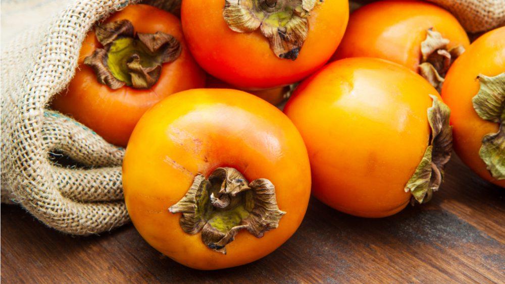 Los 7 principales beneficios del caqui para la salud y la nutrición