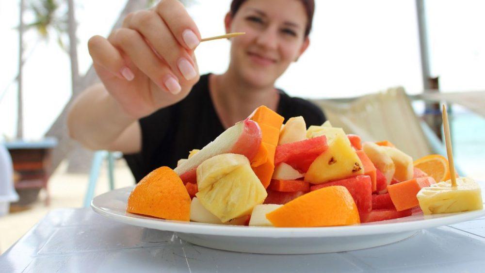 Comer Frutas enteras