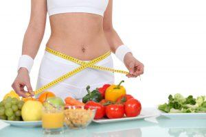 Cómo seguir una dieta de corte para la pérdida de peso