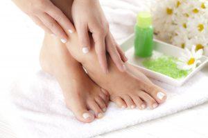 7 tratamientos de hongos en los pies y las uñas de los pies que puedes hacer en casa