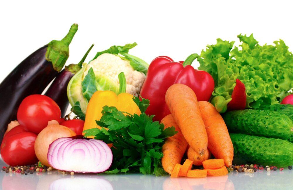 Comer alimentos con baja densidad calorica y mucha fibra hace sentir lleno
