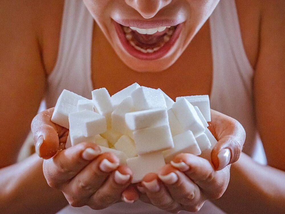 El azúcar puede llevar a un hígado graso