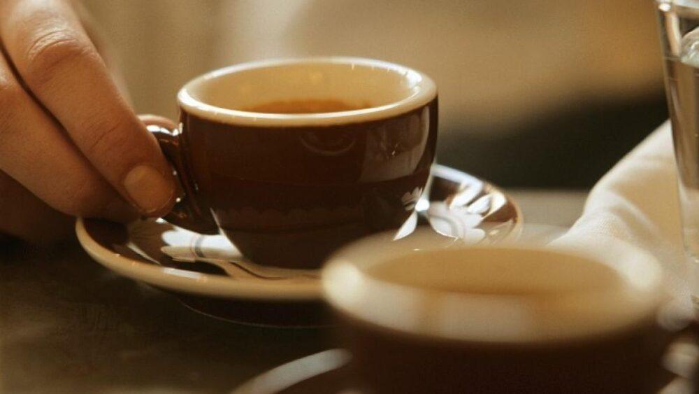 El café Puede protegerle de la enfermedad de Alzheimer y de la demencia