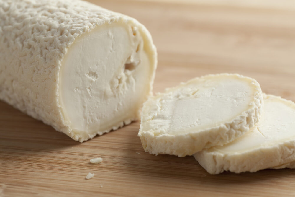 El queso de cabra contiene protéticos