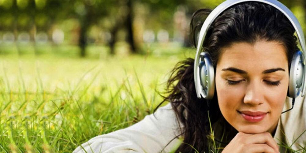 Escuchar música relajante ayuda aliviar el estrés