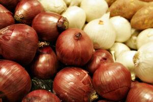 9 Impresionantes beneficios para la salud de las cebollas