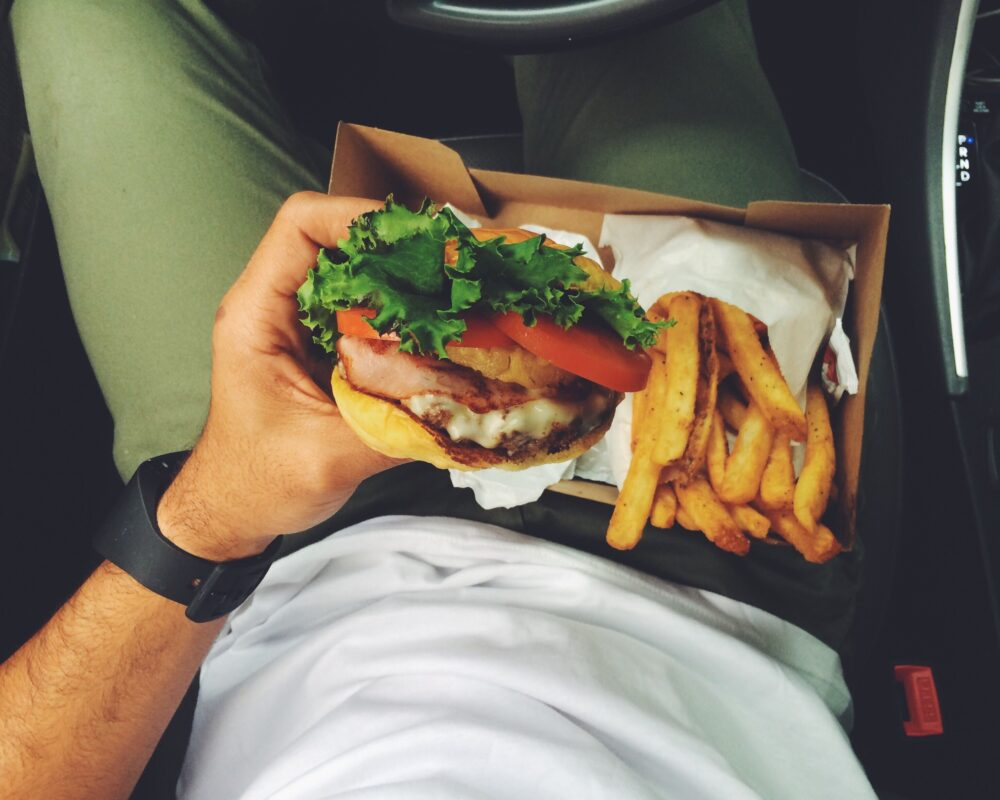 Los atracones por comidas trampa