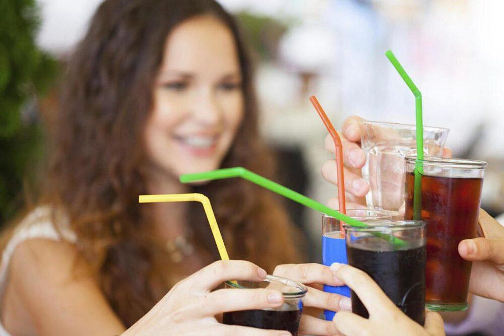 Los refrescos no contienen nutrientes esenciales solo azúcar