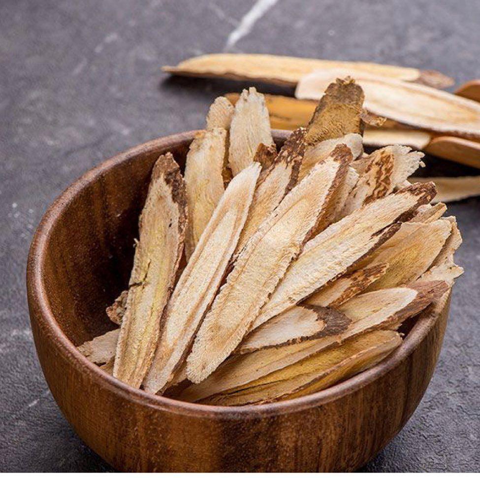 El astrágalo: una raíz antigua con beneficios para la salud