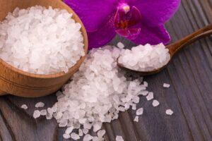 Sal de Epsom para el estreñimiento Beneficios, usos y efectos secundarios