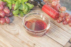 6 Sorprendentes beneficios del vinagre de vino tinto
