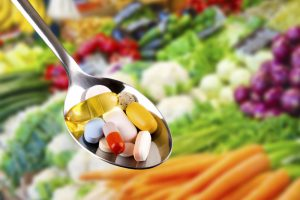 Las 8 vitaminas y nutrientes más importantes para unas uñas fuertes y sanas