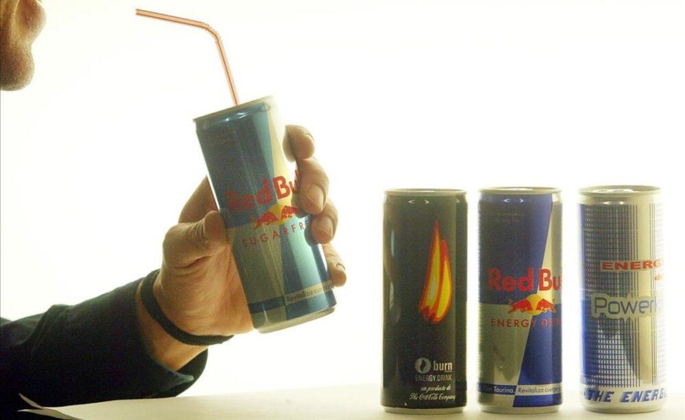 ¿Debería alguien tomar bebidas energéticas? ¿Cuánto es demasiado?