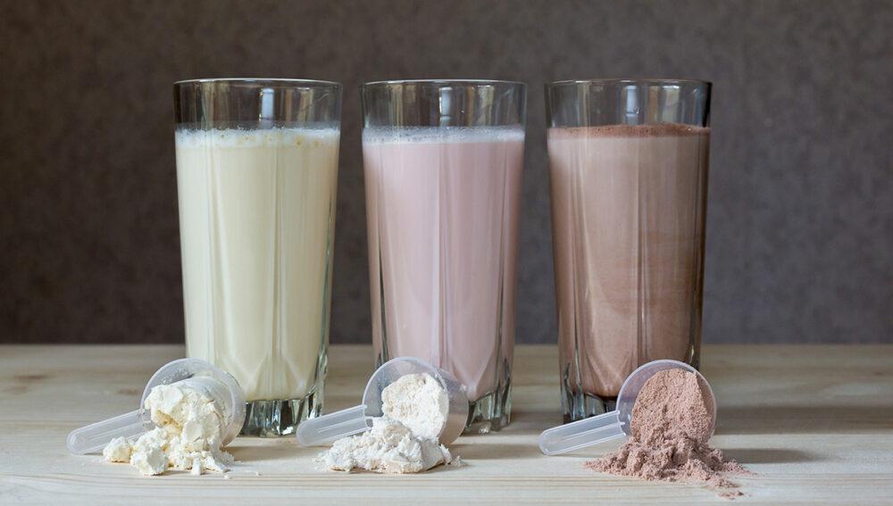 ¿Debería tomar un batido de proteínas antes o después de su entrenamiento?