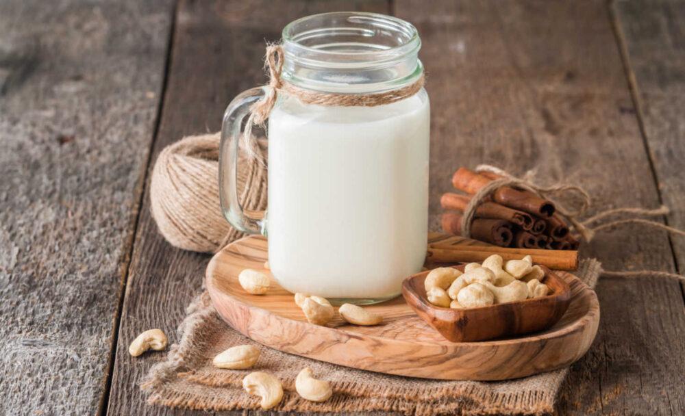 10 Nutrición y beneficios para la salud de la leche de anacardo