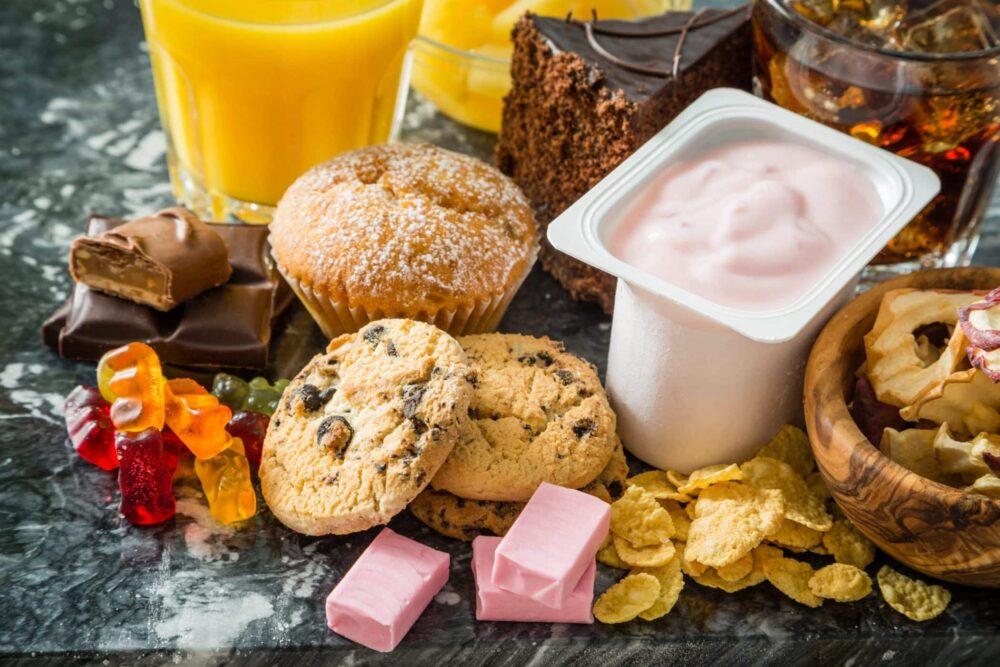 18 alimentos y bebidas que son sorprendentemente altos en azúcar