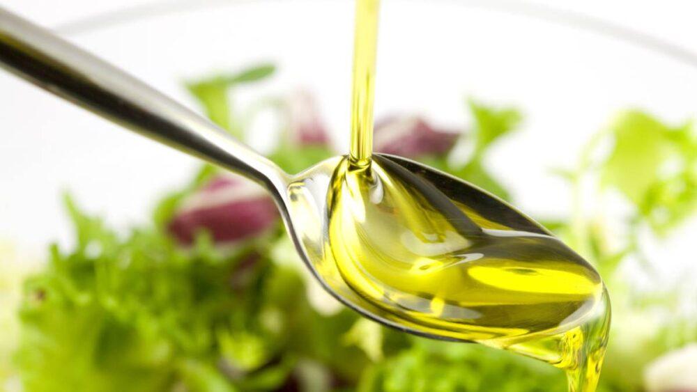 Añade una grasa saludable a tu ensalada
