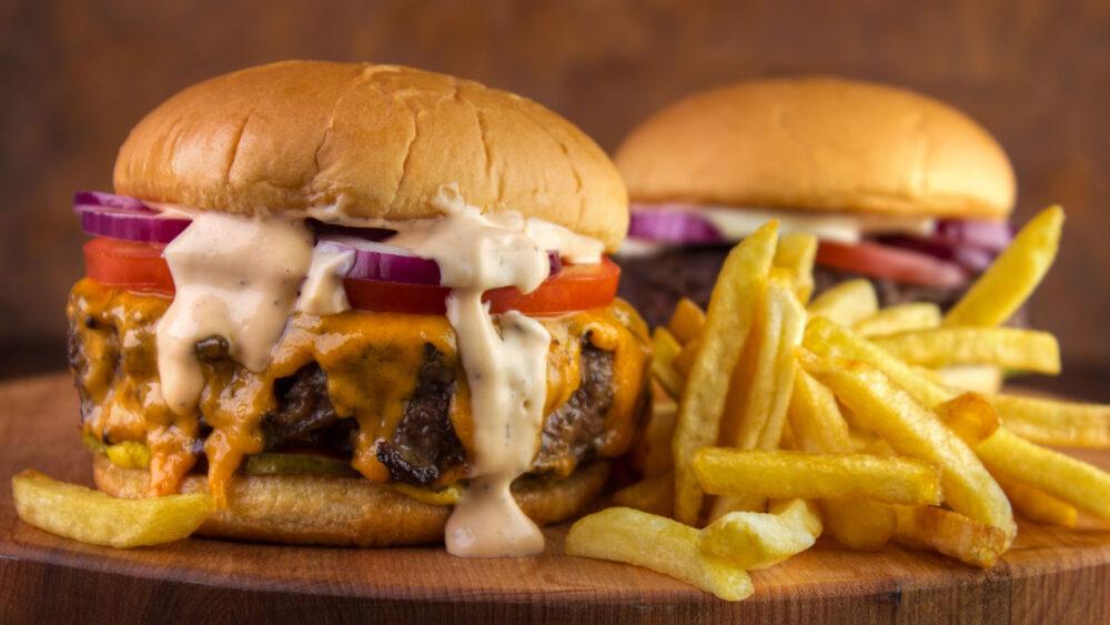 Alimentos que deben evitarse o reducirse al mínimo en esta dieta