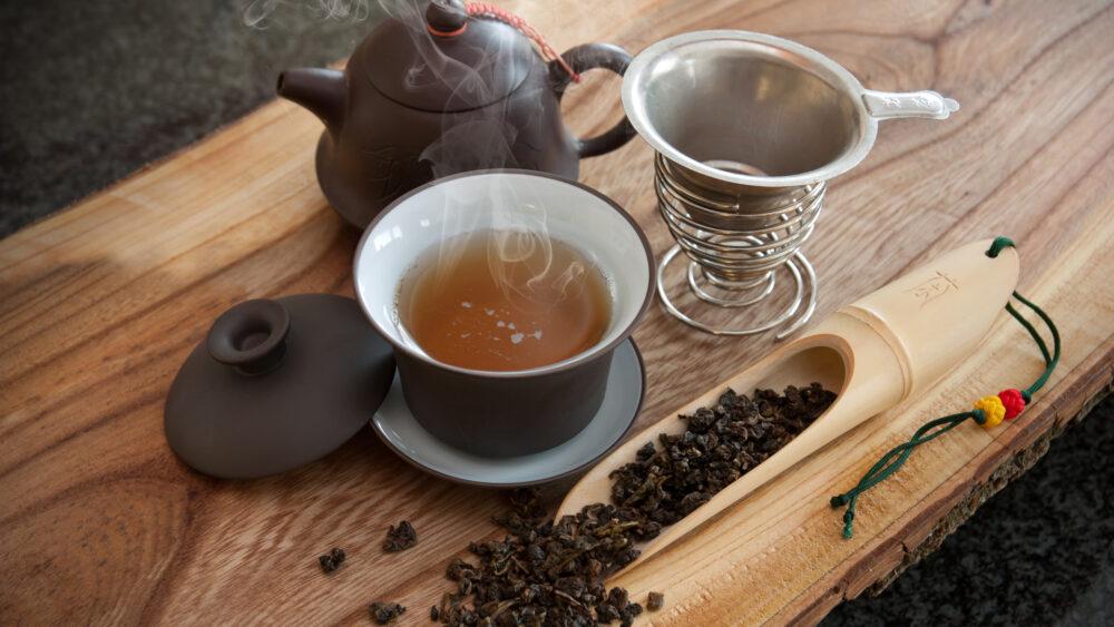 Beba té verde o té oolong