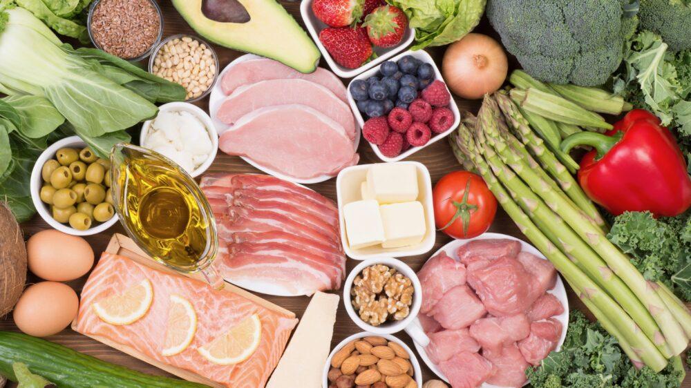 Coma alimentos baja en carbohidratos
