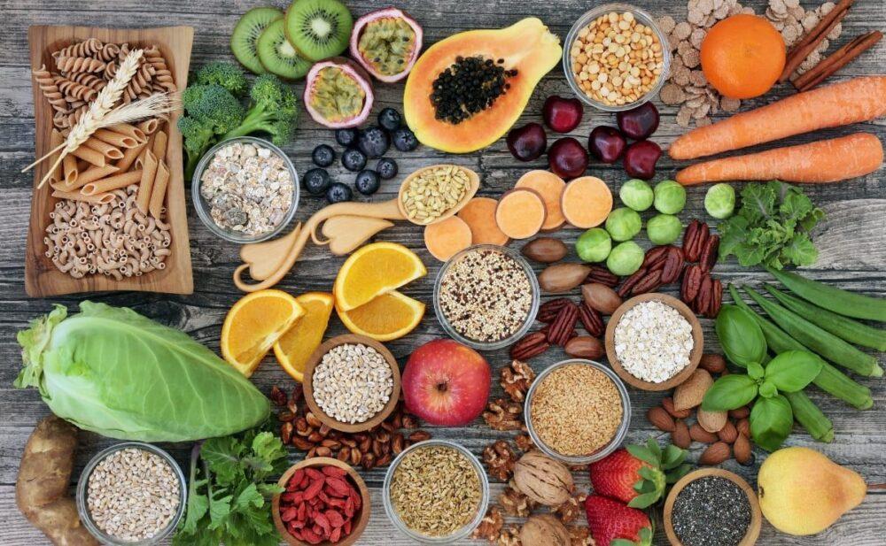 Coma alimentos ricos en fibra, especialmente fibra viscosa