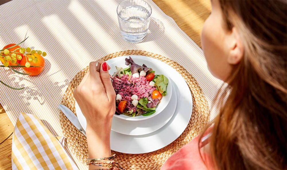 Comer con calma ayuda a reducir el apetito