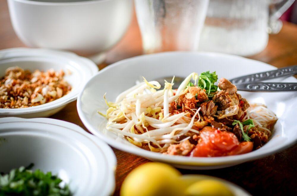 Comer en platos mas pequeños ayuda a reducir el apetito