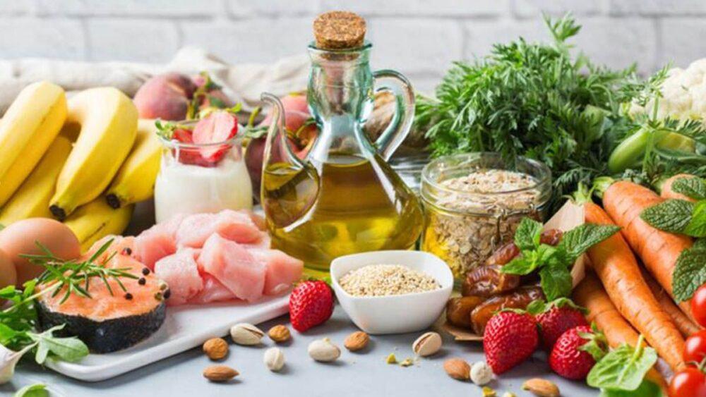 Consumir alimentos con alto contenido de grasas omega-3