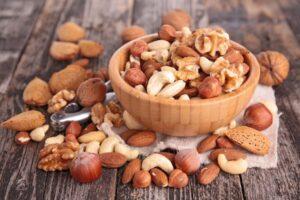 Cruda vs. Nueces tostadas: ¿Cuál es más saludable?