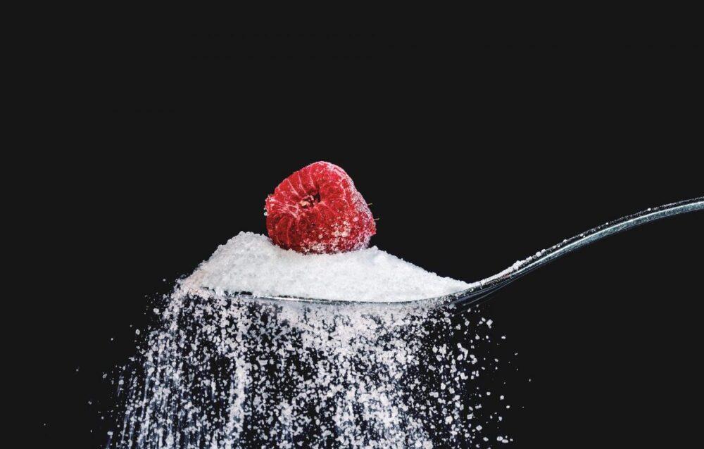 Cualquier cosa con azúcar agregada o granos refinados