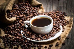 ¿Son el café y la cafeína adictivos? Una mirada crítica