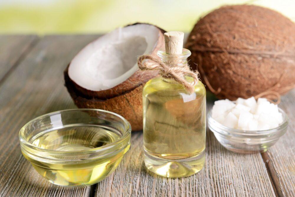 El aceite de coco puede ayudar a tratar el acné