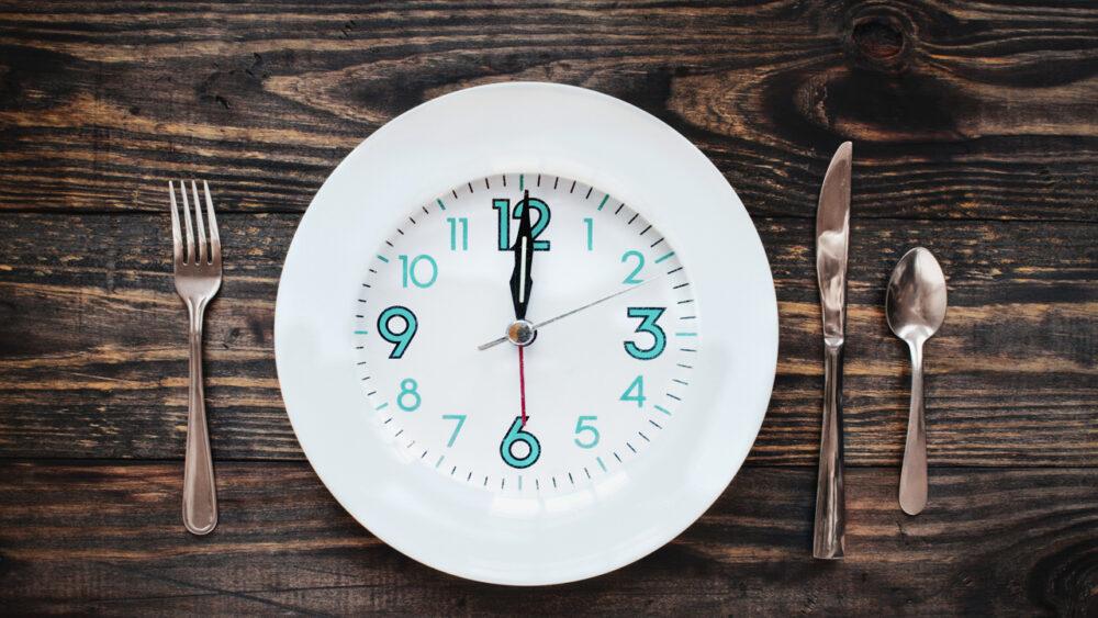 El ayuno intermitente puede extender su vida, ayudándole a vivir más tiempo