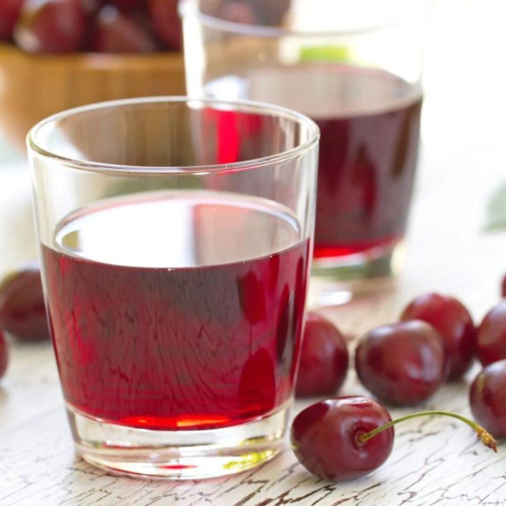 10 Beneficios para la salud del jugo de cereza agria