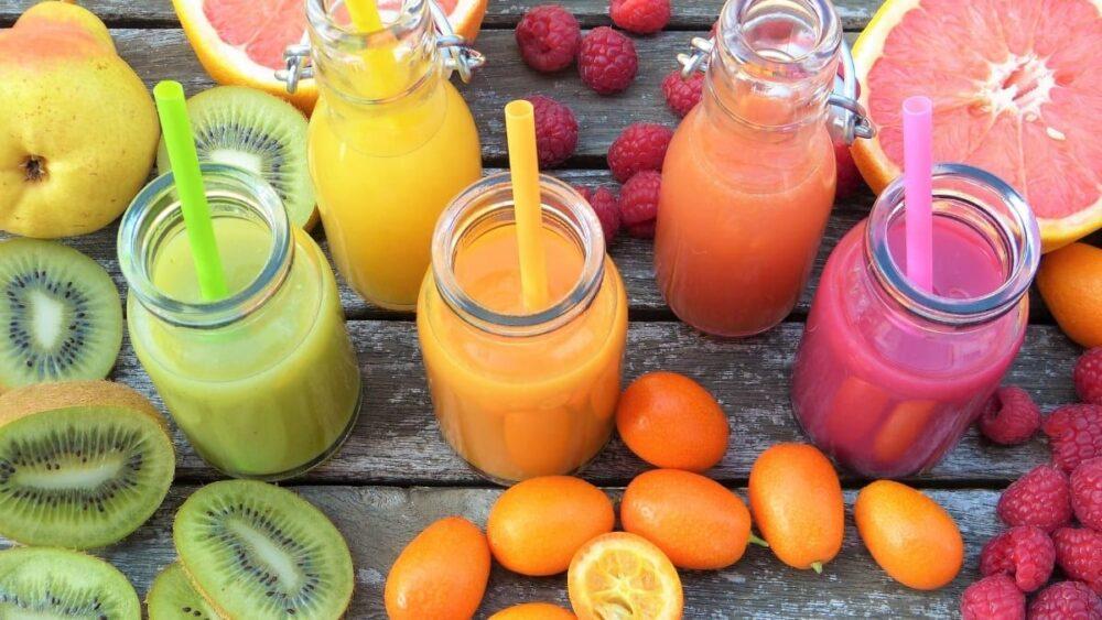 El jugo de frutas es una bebida con alto contenido de azúcar que puede promover la resistencia a la insulina y el aumento de la grasa en la barriga