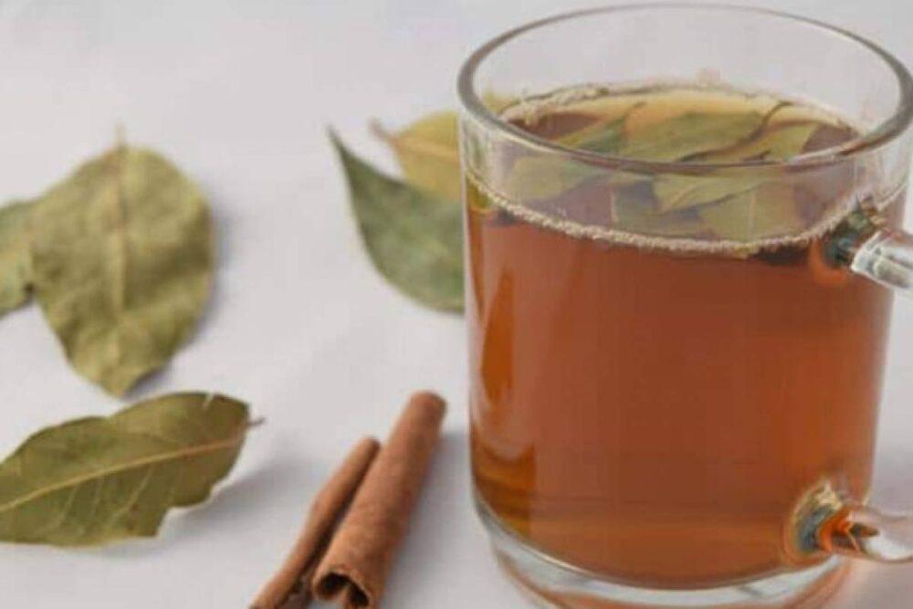 El té de canela puede ayudar a aliviar los dolorosos cólicos menstruales y los síntomas del síndrome premenstrual
