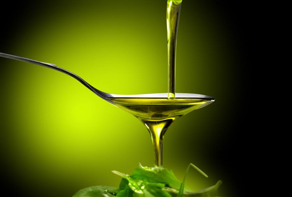 Gracias al contenido de carvacrol del aceite de orégano, puede ayudar a perder peso