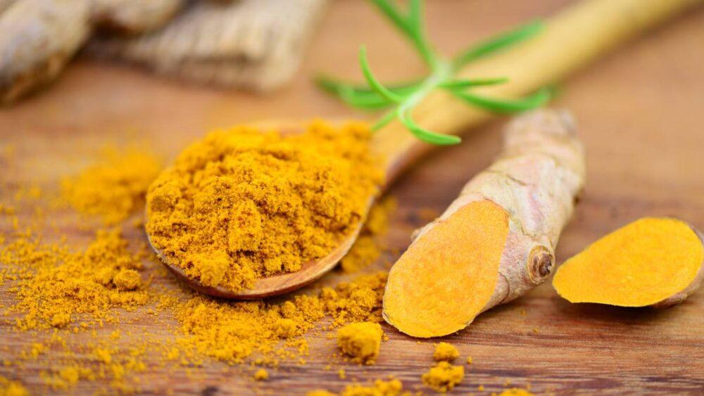 La curcumina es un compuesto natural anti-inflamatorio