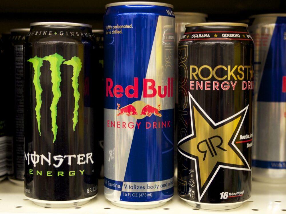 La mezcla de bebidas energéticas y alcohol tiene graves riesgos para la salud