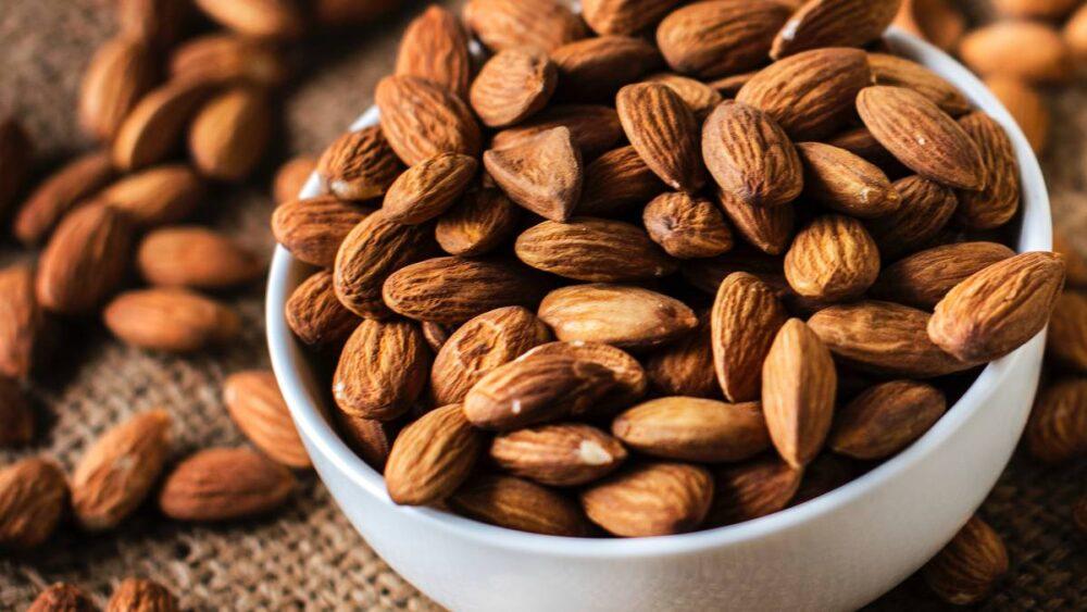 Las almendras pueden reducir los niveles de colesterol
