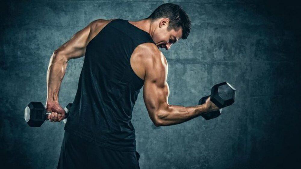 Levantamiento de pesas para fortalecer los huesos