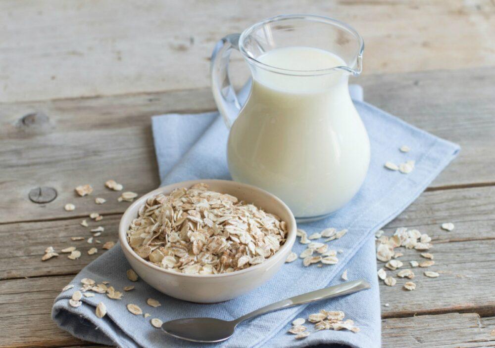 Leche de avena: Nutrición, beneficios y cómo hacerla