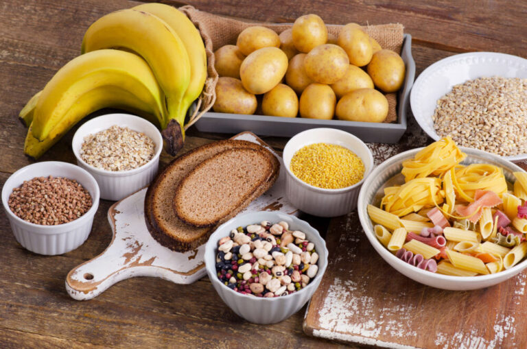 Vegetales con almidón o sin almidón: Listas de alimentos y datos de nutrición
