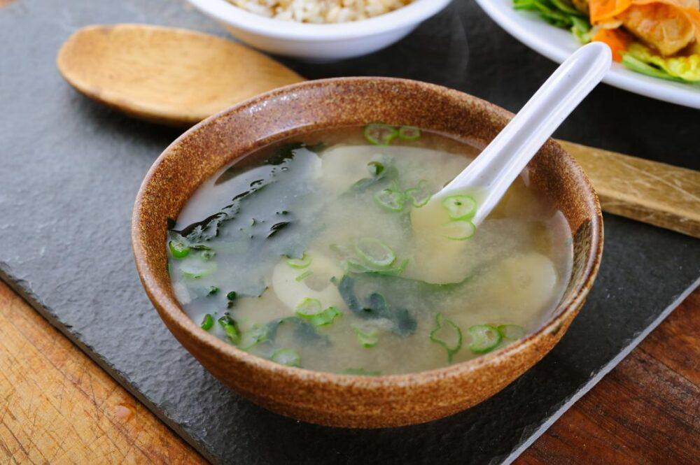 Los mejores alimentos para combatir los síntomas de la gripe