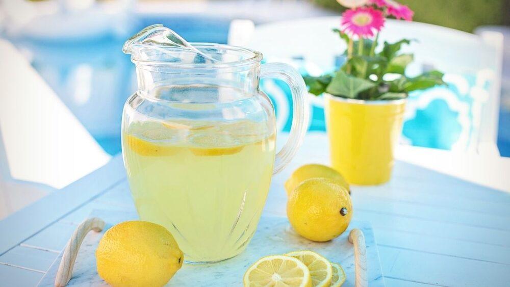 Otros beneficios del jugo de limón