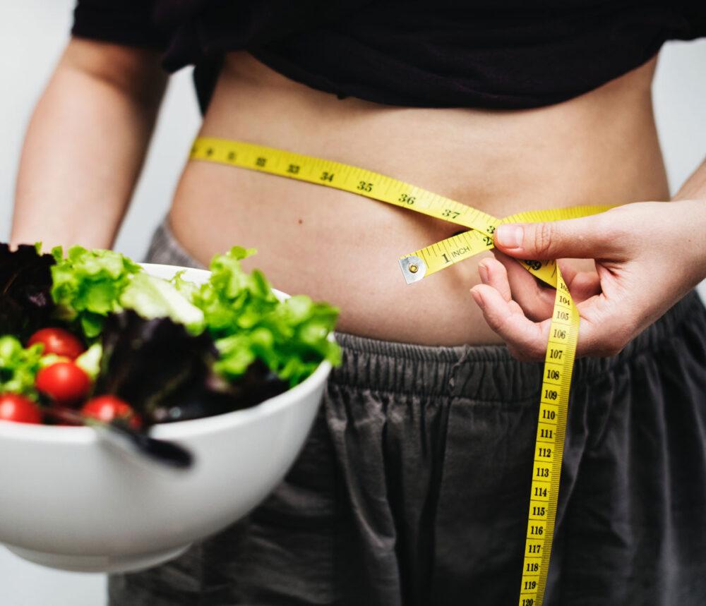 Reducir la alimentación de noche puede ayudar a la perdida de peso