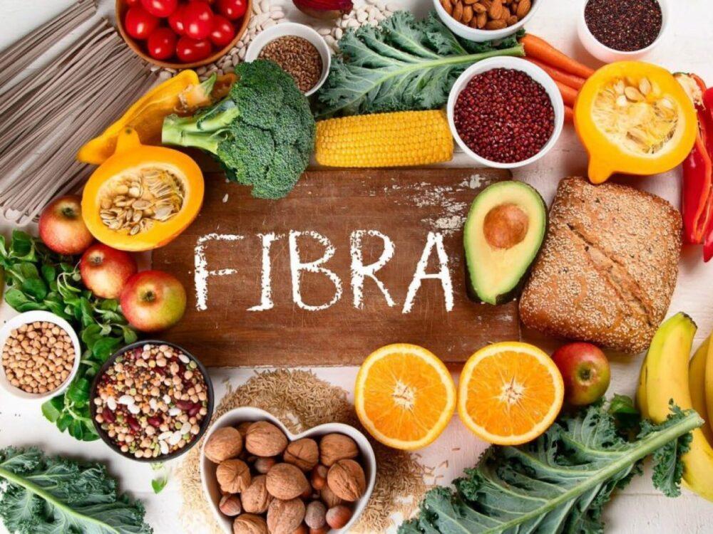 Una dieta baja en fibra y alta en granos refinados puede conducir a un aumento de la grasa abdominal.