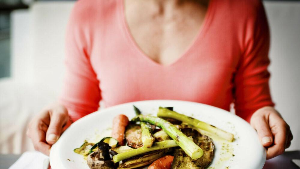 Usted debe comer muchas comidas pequeñas a lo largo del día