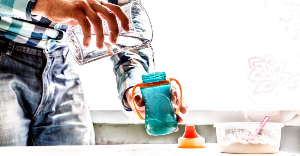 el agua con altas cantidades de flúor puede tener un efecto negativo en las puntuaciones de CI de los niños